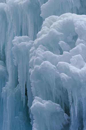 martin-zwick-winter-ice-partnachklamm-partnach-creek-gorge-bavaria-germany