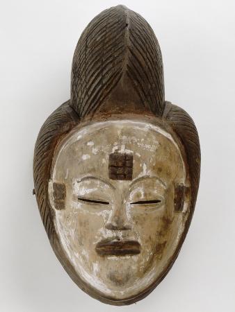 masque-blanc-de-la-belle-jeune-fille-mukuyi