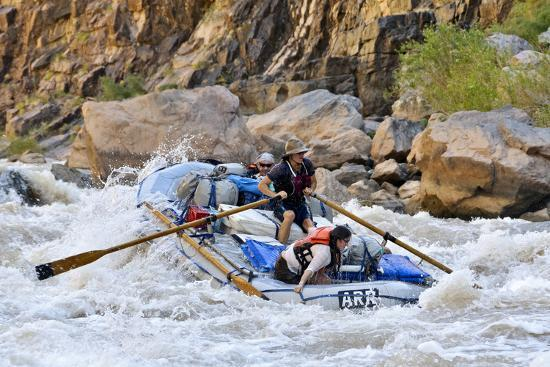 matt-freedman-rafters-going-through-rapids-grand-canyon-national-park-arizona-usa