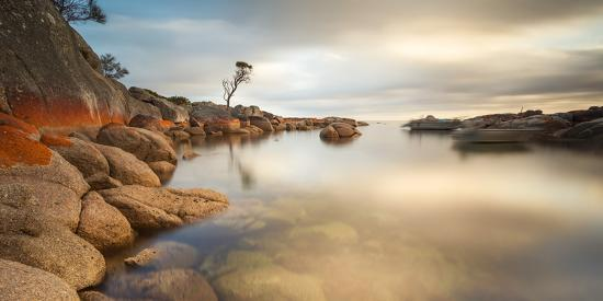 matteo-colombo-tasmania-australia-binalong-bay-bay-of-fires-at-sunrise