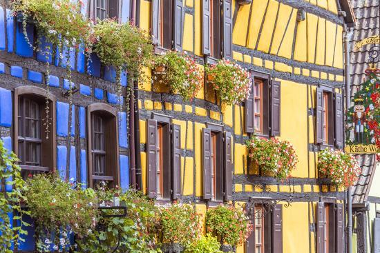 matteo-colombo-typical-timber-framed-houses-riquewihr-alsace-france
