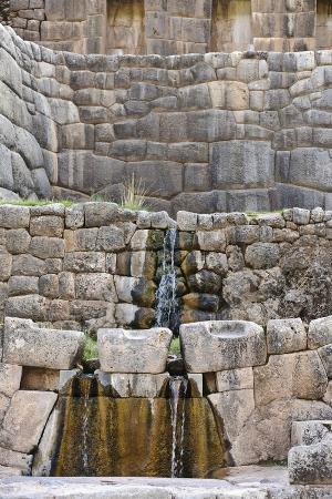 matthew-oldfield-inca-waterfall-tambomachay-cusco