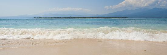 matthew-williams-ellis-island-of-gili-air-with-gili-meno-beach-in-the-foreground-gili-islands-indonesia-southeast-asia