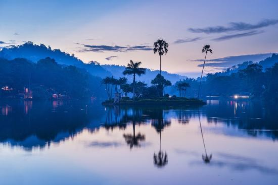matthew-williams-ellis-kandy-lake-and-the-island-which-houses-the-royal-summer-house-at-dawn