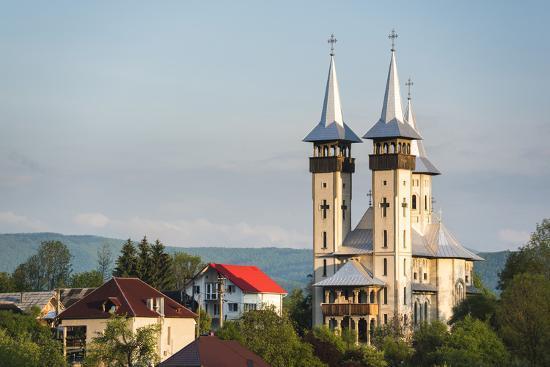 matthew-williams-ellis-orthodox-romanian-church-at-sunrise-breb-brebre-maramures-romania-europe