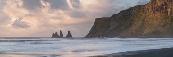 matthew-williams-ellis-reynisdrangar-basalt-sea-stacks-at-sunrise-vik-south-region-sudurland-iceland-polar-regions