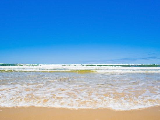 matthew-williams-ellis-sand-sea-and-sky-of-seventy-five-mile-beach-fraser-island-unesco-world-heritage-site-australia