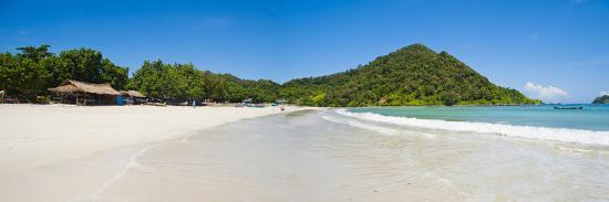 matthew-williams-ellis-selong-belanak-beach-lombok-a-panorama-of-perfect-white-sandy-beach-in-south-of-lombok-indonesia