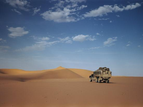 maynard-owen-williams-ad-dahna-is-the-red-sand-desert-that-stretches-over-400-miles-from-an-nafud-to-rub-al-khali