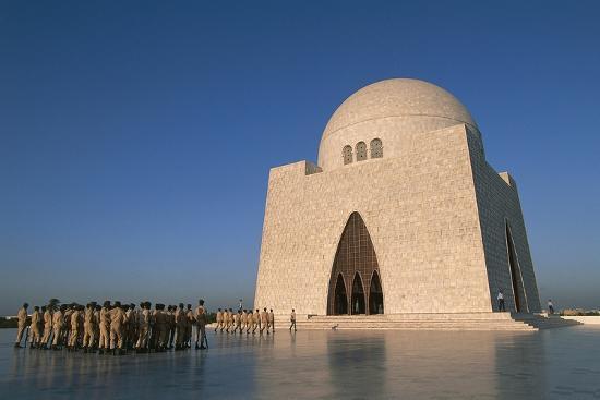 mazar-e-quaid-jinnah-mausoleum-or-national-mausoleum-1970-karachi-pakistan
