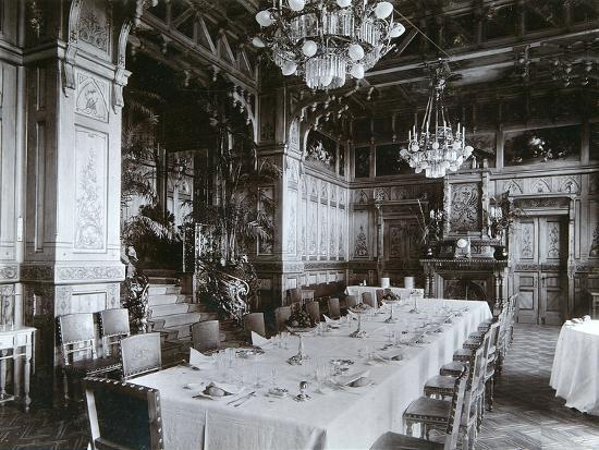 mechkovsky-dining-room-of-the-imperial-palace-in-bialowieza-forest-russia-late-19th-century