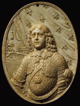 medallion-depicting-prince-ivory