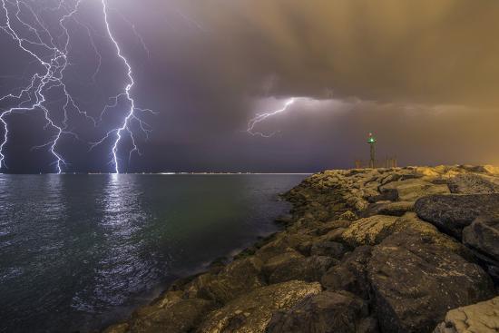 mehdi-momenzadeh-when-lightning-strikes
