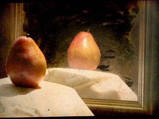 mia-friedrich-pear-against-framed-mirror