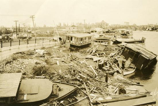 miami-river-at-ramp-to-5th-street-bridge-after-the-hurricane-1926