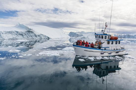 michael-a-commercial-iceberg-tour-amongst-huge-icebergs-calved-from-the-ilulissat-glacier