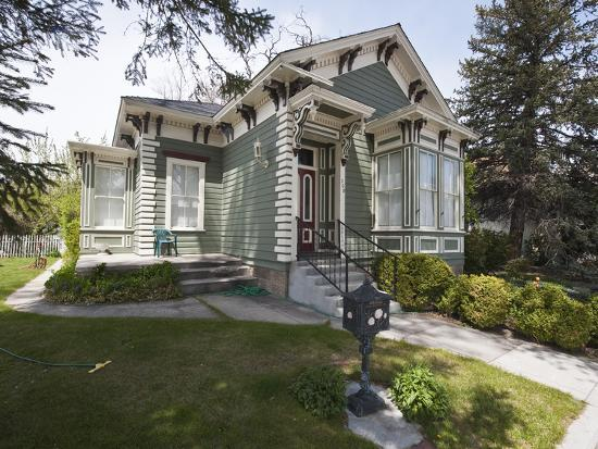 michael-defreitas-historic-lew-meder-house-dating-from-around-1874-carson-city-nevada-usa-north-america