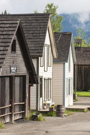 michael-defreitas-historic-old-gold-town-barkerville-british-columbia-canada
