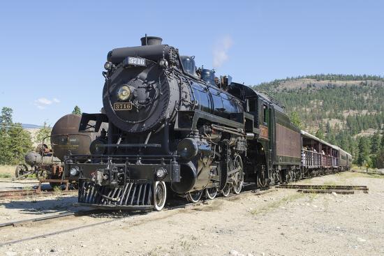michael-defreitas-kettle-valley-steam-railway-summerland-british-columbia-canada
