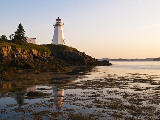 michael-defreitas-letite-passage-lighthouse-green-s-point-lightstation-new-brunswick-canada-north-america