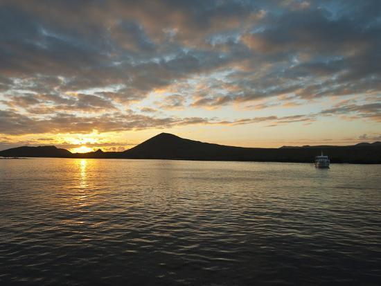 michael-defreitas-post-office-bay-isla-santa-maria-floreana-island-galapagos-islands-ecuador