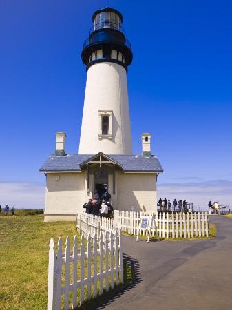 michael-defreitas-yaquina-head-lighthouse-oregon-united-states-of-america-north-america