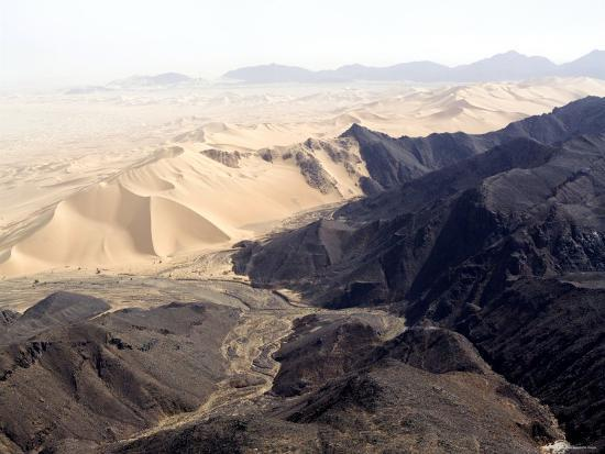 michael-fay-volcanoes-meets-spectacular-sand-dunes-in-the-air-mountains-niger