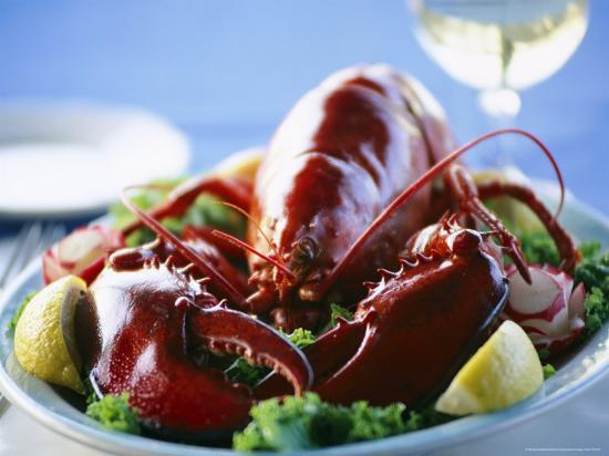 michael-melford-close-view-of-a-traditional-cape-cod-lobster-dinner