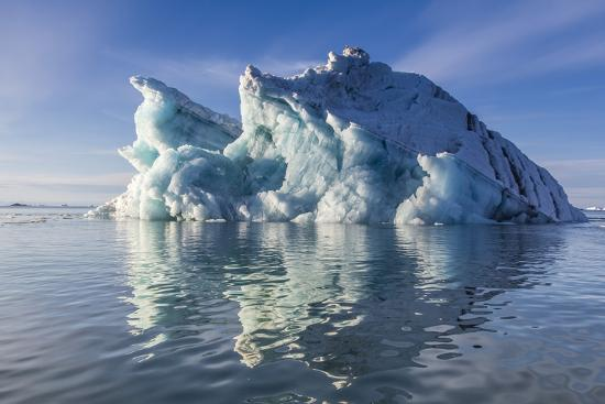 michael-nolan-iceberg-vikingbukta-viking-bay-scoresbysund-northeast-greenland-polar-regions