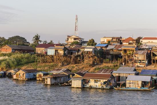 michael-nolan-life-along-the-mekong-river-approaching-the-capital-city-of-phnom-penh-cambodia-indochina