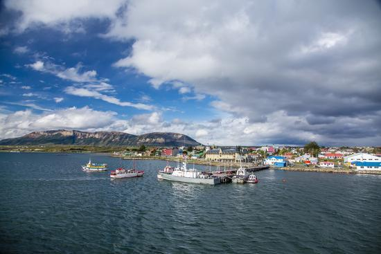 michael-nolan-the-harbour-town-of-puerto-natales-patagonia-chile-south-america