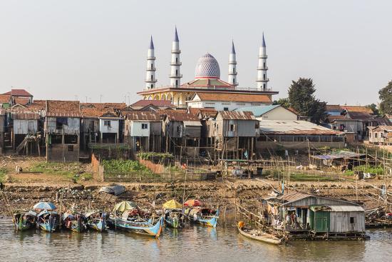michael-nolan-view-of-life-along-the-tonle-sap-river-headed-towards-phnom-penh-cambodia-indochina