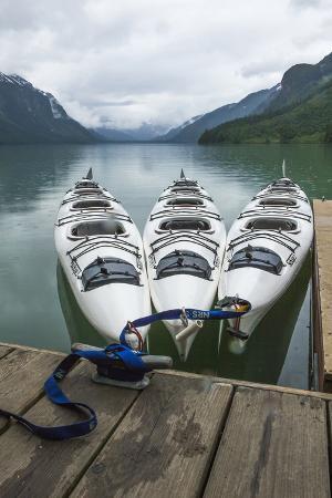 michael-qualls-chilkoot-lake-kayaks-at-the-dock-haines-alaska