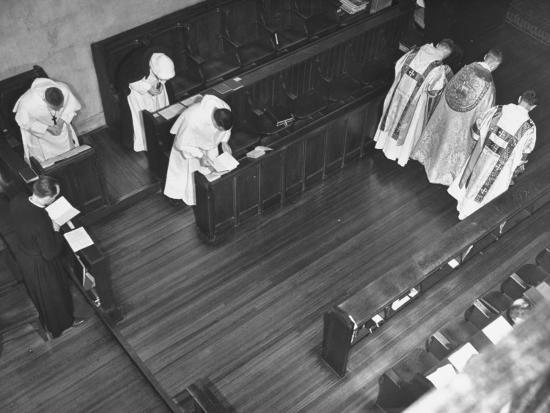 michael-rougier-religious-service-being-held-in-an-episcopal-monastery