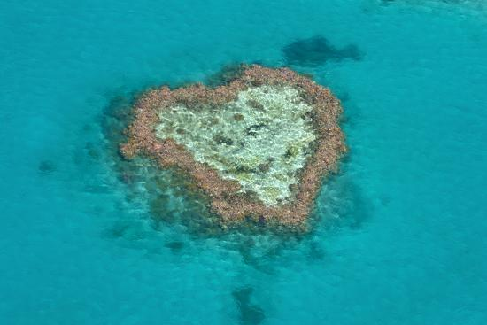 michael-runkel-aerial-of-the-whit-sunday-islands-queensland-australia-pacific