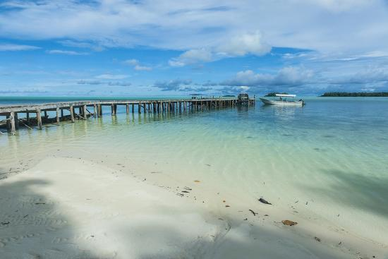 michael-runkel-boat-pier-on-carp-island-one-of-the-rock-islands-palau-central-pacific