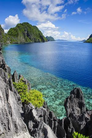 michael-runkel-crystal-clear-water-in-the-bacuit-archipelago-palawan-philippines-southeast-asia-asia
