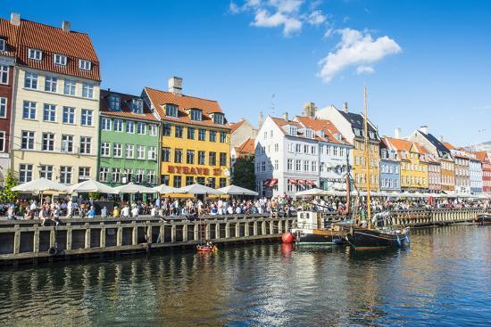 michael-runkel-fishing-boats-in-nyhavn-17th-century-waterfront-copenhagen-denmark-scandinavia-europe
