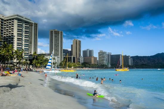 michael-runkel-high-rise-hotels-on-waikiki-beach-oahu-hawaii-united-states-of-america-pacific