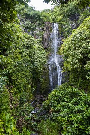michael-runkel-makahiku-falls-on-the-east-coast-of-maui-hawaii-united-states-of-america-pacific
