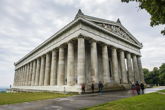 michael-runkel-neo-classical-walhalla-hall-of-fame-on-the-danube-bavaria-germany