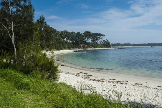 michael-runkel-pretty-white-sand-beach-at-jarvis-bay-new-south-wales-australia-pacific