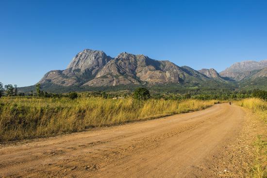 michael-runkel-road-leading-to-the-granite-peaks-of-mount-mulanje-malawi-africa