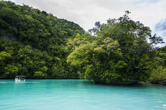 michael-runkel-turquoise-waters-in-the-rock-islands-palau-central-pacific-pacific