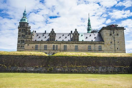 michael-runkel-unesco-world-heritage-site-kronborg-renaissance-castle-helsingor-denmark