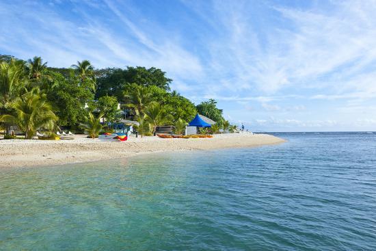 michael-runkel-white-sand-beach-at-hideaway-island-near-port-vila-efate-island-vanuatu-south-pacific