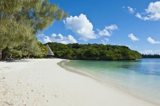 michael-runkel-white-sand-beach-bay-de-kanumera-ile-des-pins-new-caledonia-melanesia-south-pacific