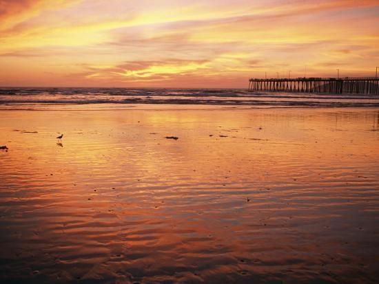 michael-s-lewis-pismo-beach-and-pier-at-sunset