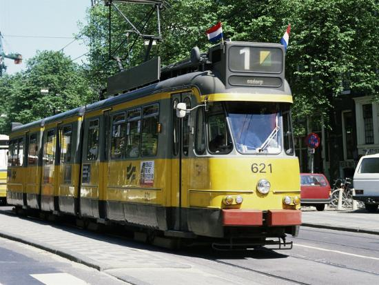 michael-short-trams-take-precedence-over-all-traffic-except-cycles-amsterdam-holland