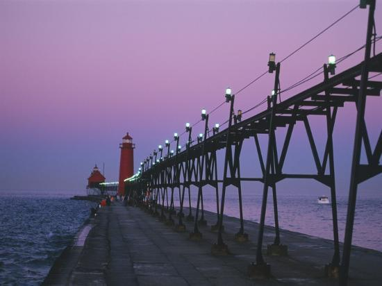 michael-snell-grand-haven-lighthouse-on-lake-michigan-grand-haven-michigan-usa